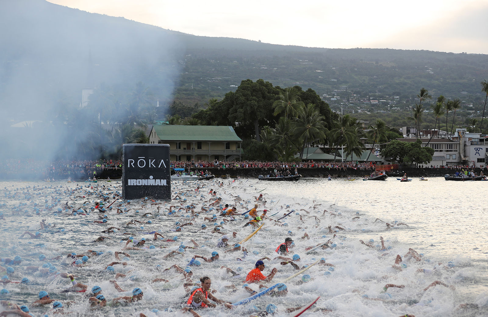 ironman world championship photo essay trimarket the 06 55 start of the age group men the largest contingent in kona